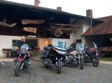 Motorradl-Stall_2.jpg